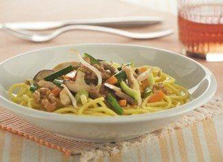 Pasta fresca con salteado de verduras pavo y Nueces